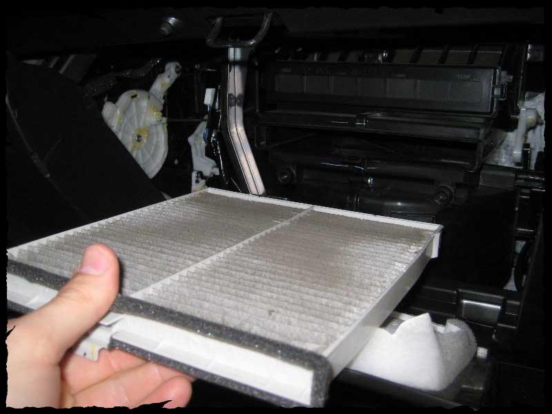 Быстрая замена салонного фильтра на автомобилях Мазда СХ-5