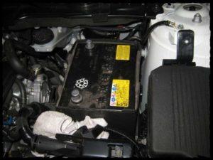 Снятие и установка аккумулятора на автомобиле Мазда СХ-5